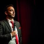 """Rui Sinel de Cordes em entrevista: """"O stand-up comedy em televisão não deve existir"""""""