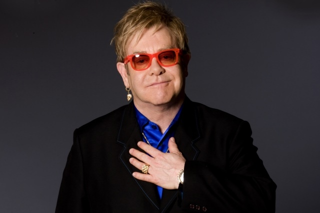 Elton John confirmado no cartaz do MEO Marés Vivas