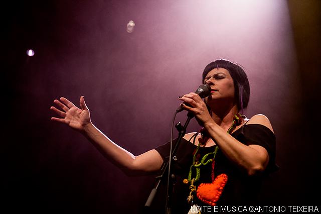 Viviane ao vivo na Casa da Música, no Porto [fotos + texto]