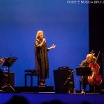 Carminho canta Tom Jobim: uma noite de homenagens na Altice Arena