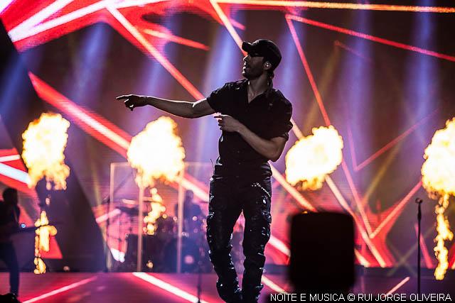 "Enrique Iglesias ao vivo na Altice Arena: 60 minutos de ansiedade para ""bailar"" [fotogaleria + texto]"