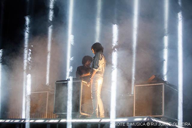 A luz intensa dos Justice no Super Bock Super Rock [fotos]