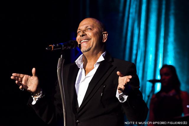 Paulo Gonzo apresenta Duetos em Lisboa e Guimarães