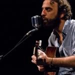 Marcelo Camelo @ Teatro Tivoli: O monólogo universal, de violão na mão