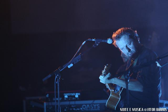dEUS ao vivo na Aula Magna [fotos + texto]