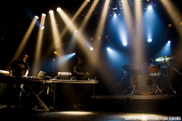 Orelha Negra ao vivo no Hard Club, Porto [fotos + texto]