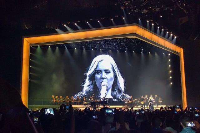 """Adele ao vivo na MEO Arena: o """"Hello"""" que encantou Lisboa"""