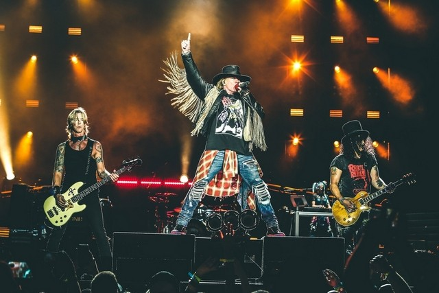 A Máquina está em Portugal, Guns N' Roses atuam hoje em Algés [a antevisão e as informações úteis estão aqui]