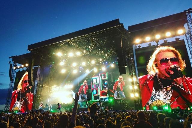 Guns N' Roses ao vivo no Passeio Marítimo de Algés: 57.800 pessoas ficaram 25 anos mais novas